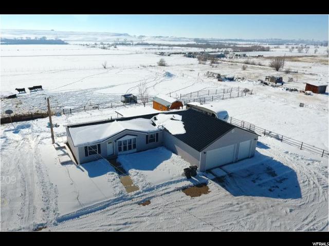Unique la famille pour l Vente à 5431 W IOKA (SR 87) Lane Ioka, Utah 84066 États-Unis