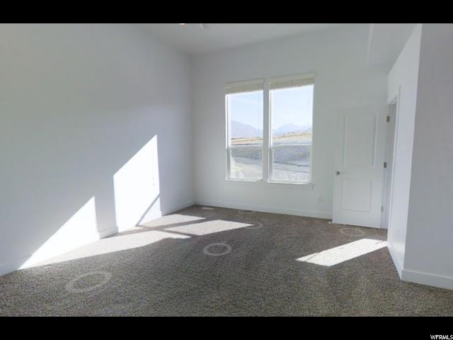 Additional photo for property listing at 14771 S LEWSKI Lane 14771 S LEWSKI Lane Unit: FF-3 Bluffdale, Utah 84065 Estados Unidos