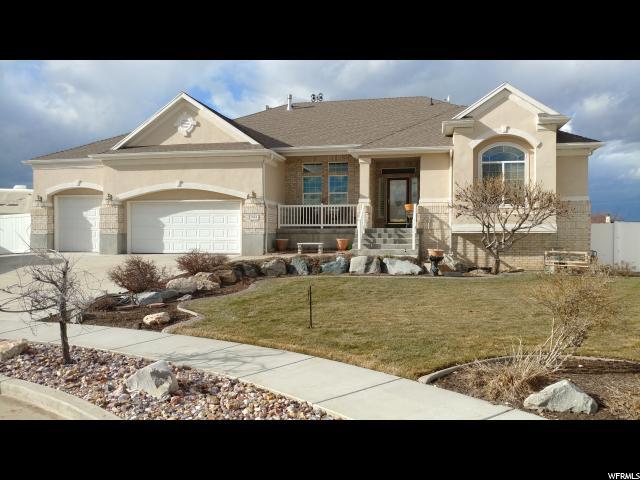 Unique la famille pour l Vente à 3948 W 6050 S Roy, Utah 84067 États-Unis
