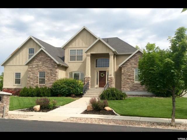 Один семья для того Продажа на 431 HAWTHORNE Drive River Heights, Юта 84321 Соединенные Штаты