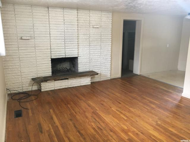 Additional photo for property listing at 1440 S 240 E 1440 S 240 E Orem, Utah 84058 États-Unis