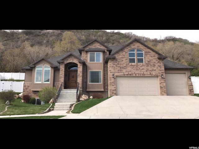 Unique la famille pour l Vente à 1621 E 7640 S South Weber, Utah 84405 États-Unis