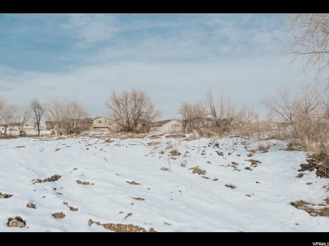 Additional photo for property listing at 3264 W 3100 S 3264 W 3100 S West Valley City, Utah 84119 Estados Unidos