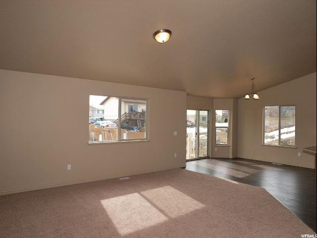 Additional photo for property listing at 5790 W 7060 S 5790 W 7060 S Unit: 408 West Jordan, Utah 84081 États-Unis
