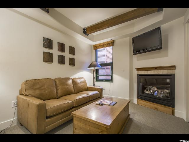 Additional photo for property listing at 1476 W NEWPARK Boulevard 1476 W NEWPARK Boulevard Unit: 306 Park City, Utah 84098 United States