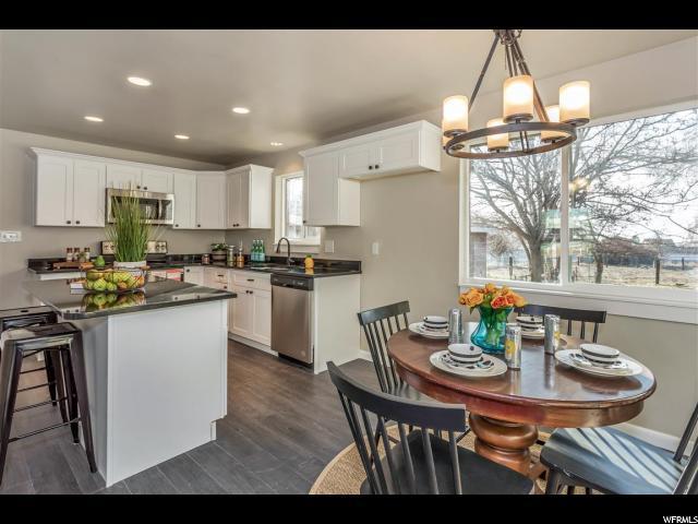 单亲家庭 为 销售 在 5441 S 2700 W Roy, 犹他州 84067 美国