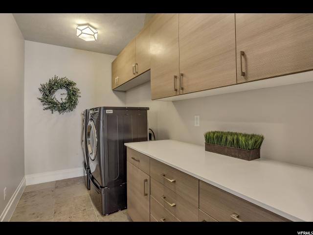 Additional photo for property listing at 1256 S HIGH CREST Circle 1256 S HIGH CREST Circle Fruit Heights, Utah 84037 Estados Unidos