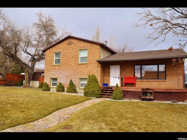 单亲家庭 为 销售 在 310 W MAIN Street Ferron, 犹他州 84523 美国
