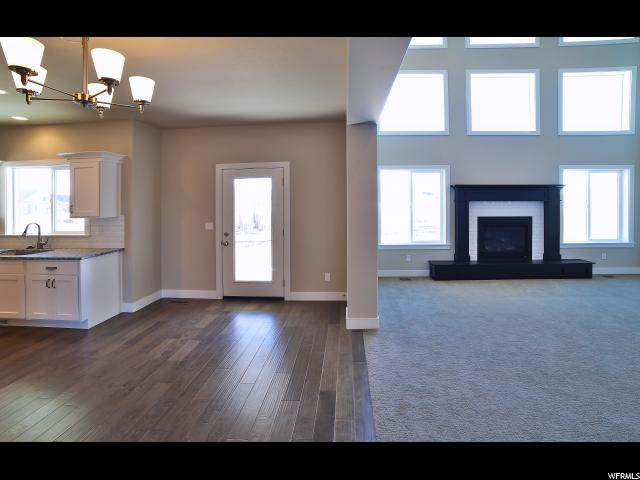 Additional photo for property listing at 1672 W PINE CONE Court 1672 W PINE CONE Court Unit: 205 Layton, Utah 84041 Estados Unidos