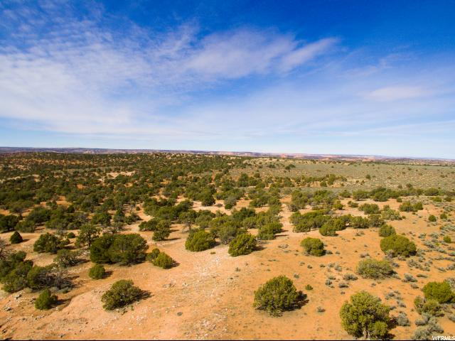 Additional photo for property listing at 8 LOOKING GLASS Road  Moab, Utah 84532 United States