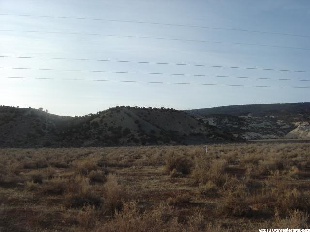 Additional photo for property listing at 6830 N 250 E 6830 N 250 E Vernal, Utah 84078 États-Unis