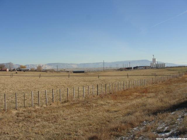 Additional photo for property listing at 3154 E 3500 S  Vernal, 犹他州 84078 美国
