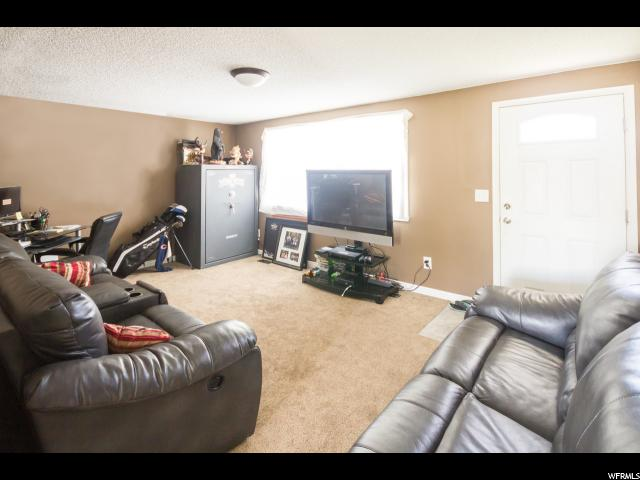Additional photo for property listing at 124 W 350 N 124 W 350 N Vernal, Utah 84078 United States
