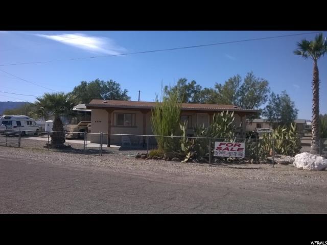 单亲家庭 为 销售 在 4994 E TONOPAH Drive Topock, 亚利桑那州 86436 美国