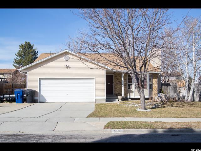 Unique la famille pour l Vente à 5944 W SWANBRIDGE Drive Kearns, Utah 84118 États-Unis