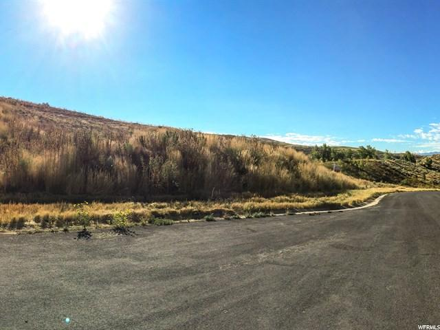 Additional photo for property listing at 5622 N SILVER LEAF Circle  Mountain Green, Utah 84050 United States