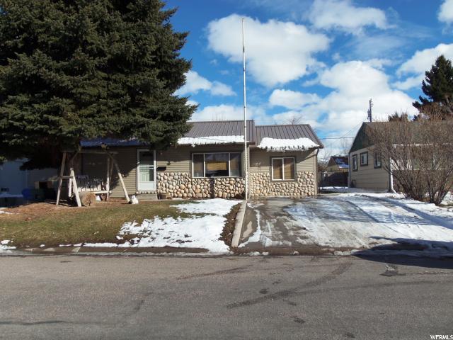 单亲家庭 为 销售 在 974 MEADOWBROOK Pocatello, 爱达荷州 83201 美国