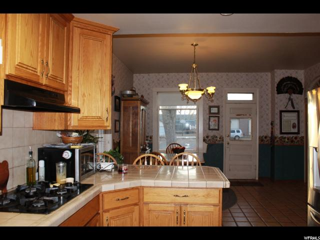 Additional photo for property listing at 117 S 100 E 117 S 100 E Loa, Utah 84747 Estados Unidos
