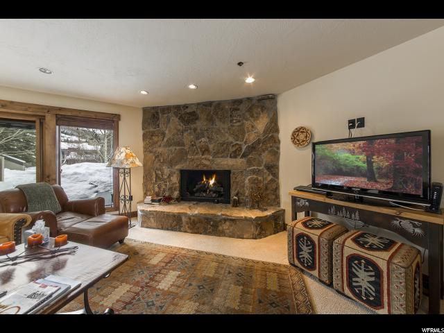 Appartement en copropriété pour l Vente à 1558 N DEER VALLEY Drive 1558 N DEER VALLEY Drive Unit: 1558 Deer Valley, Utah 84060 États-Unis