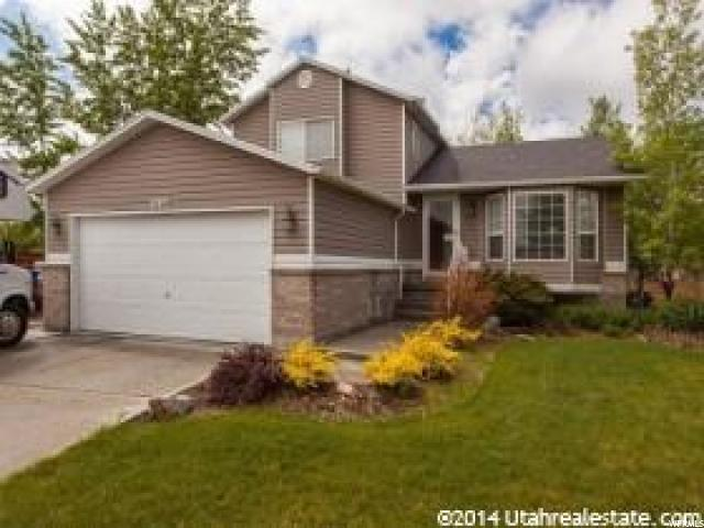 Single Family for Sale at 5554 W WILDBERRY Circle Kearns, Utah 84118 United States