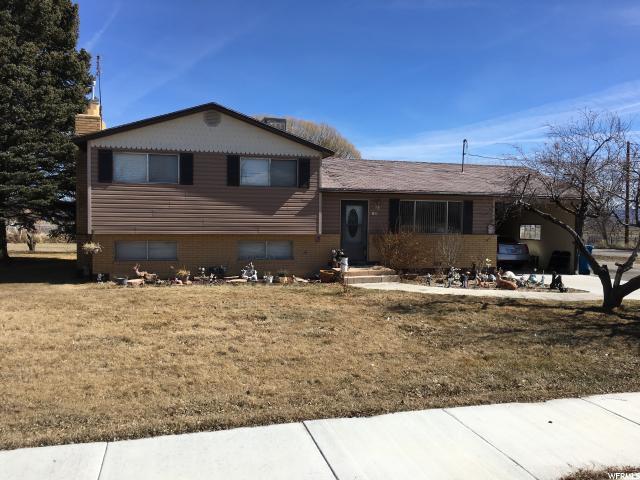 单亲家庭 为 销售 在 85 S 200 E Elmo, 犹他州 84521 美国