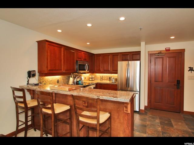 12090 E BIG COTTONWOOD CANYON RD 416, Solitude, UT 84121