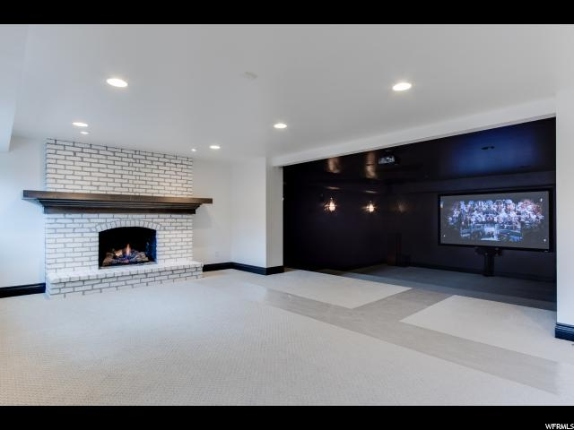 Additional photo for property listing at 8494 S WILLOW CREEK Drive 8494 S WILLOW CREEK Drive Unit: 563 Sandy, Utah 84093 États-Unis