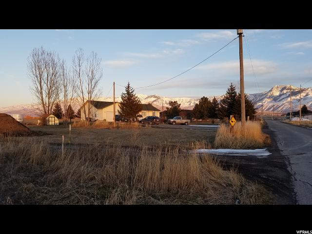 Additional photo for property listing at 1097 W 6600 N  Smithfield, Utah 84335 États-Unis