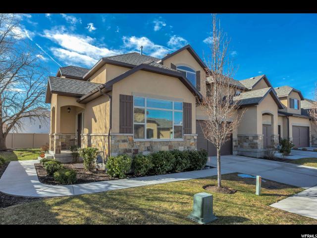 Maison accolée pour l Vente à 7287 S VIANSA Court 7287 S VIANSA Court Unit: 19 Midvale, Utah 84047 États-Unis