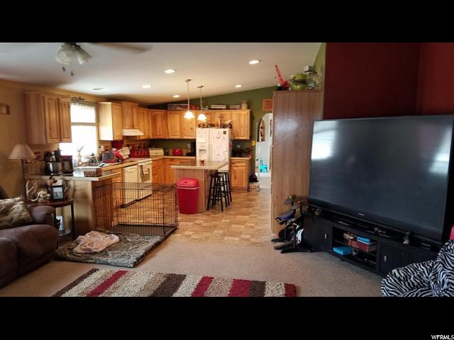 Additional photo for property listing at 1620 S VERNAL Avenue 1620 S VERNAL Avenue Vernal, Utah 84078 États-Unis