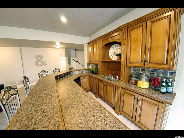 2194 E SHADOW MT CIR Ogden, UT 84403 - MLS #: 1436246