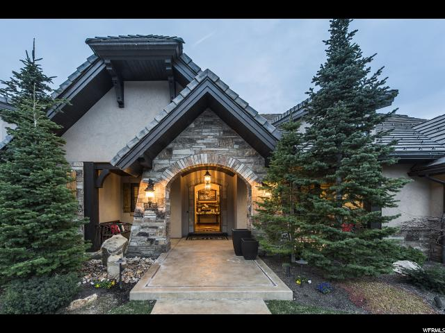 8774 S FALCON HEIGHTS LN E, Cottonwood Heights, UT 84093