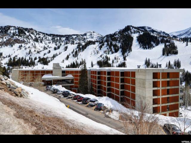 Appartement en copropriété pour l Vente à 9260 E LODGE Drive 9260 E LODGE Drive Unit: 517 Snowbird, Utah 84092 États-Unis