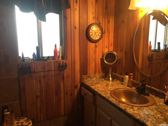 Additional photo for property listing at 690 W 300 E 690 W 300 E Malad City, Idaho 83252 Estados Unidos