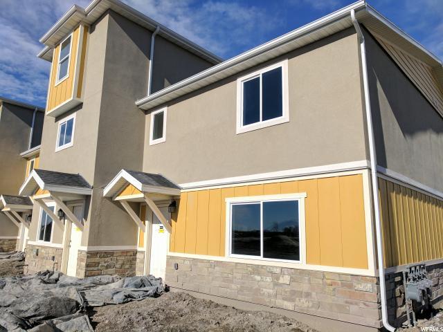 Duplex pour l Vente à 246 E 630 N Street 246 E 630 N Street Unit: 244-46 Vineyard, Utah 84058 États-Unis