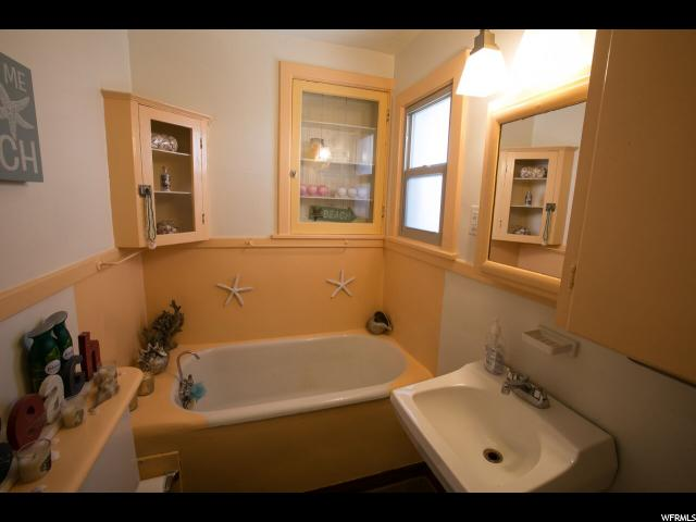 Additional photo for property listing at 54 E 200 N 54 E 200 N Salt Lake City, Юта 84103 Соединенные Штаты