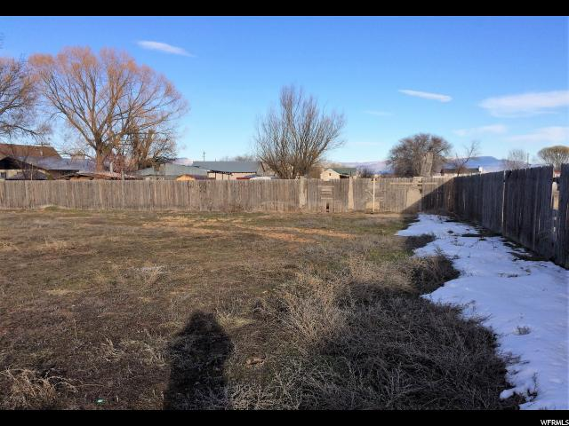 Additional photo for property listing at 1408 E 4000 S  Vernal, Utah 84078 United States