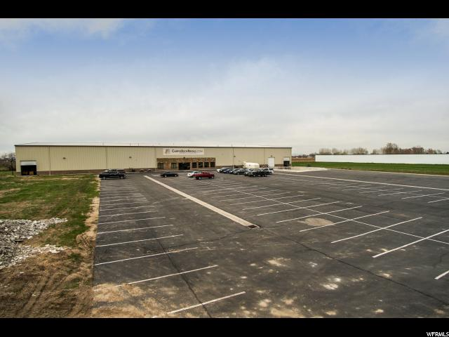 Commercial for Rent at 2805 S 2025 W West Haven, Utah 84401 United States