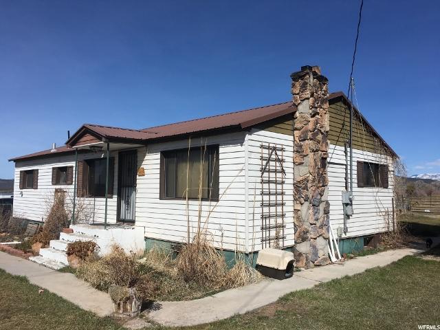 Unique la famille pour l Vente à 3708 W 9000 N Neola, Utah 84053 États-Unis