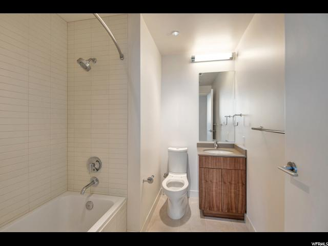 Additional photo for property listing at 35 E 100 S Street 35 E 100 S Street Unit: 1601 Salt Lake City, Utah 84111 États-Unis