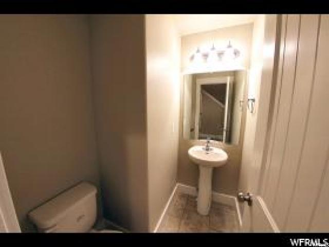 Additional photo for property listing at 6232 S 1525 E 6232 S 1525 E Unit: B3 South Ogden, Utah 84405 États-Unis