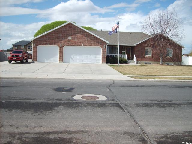 Single Family for Sale at 4865 S 5150 W Hooper, Utah 84315 United States