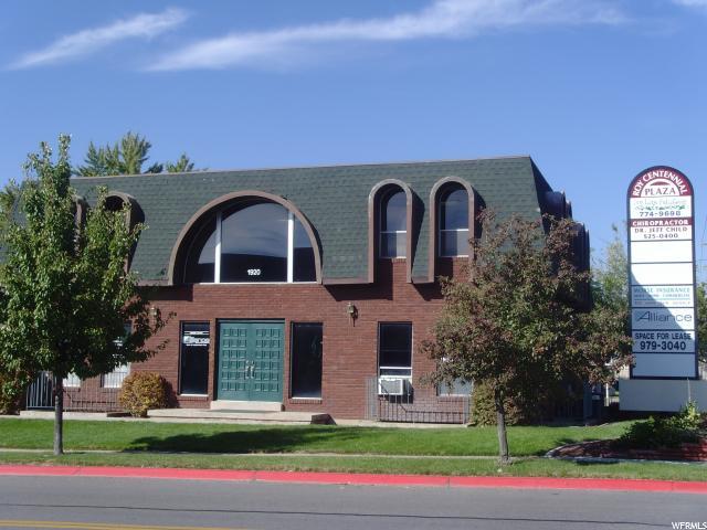 Commercial pour l Vente à 1920 W 5200 S Street Roy, Utah 84067 États-Unis