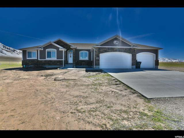 Unique la famille pour l Vente à 1644 E ARROWHEAD Lane 1644 E ARROWHEAD Lane Unit: 103 Erda, Utah 84074 États-Unis