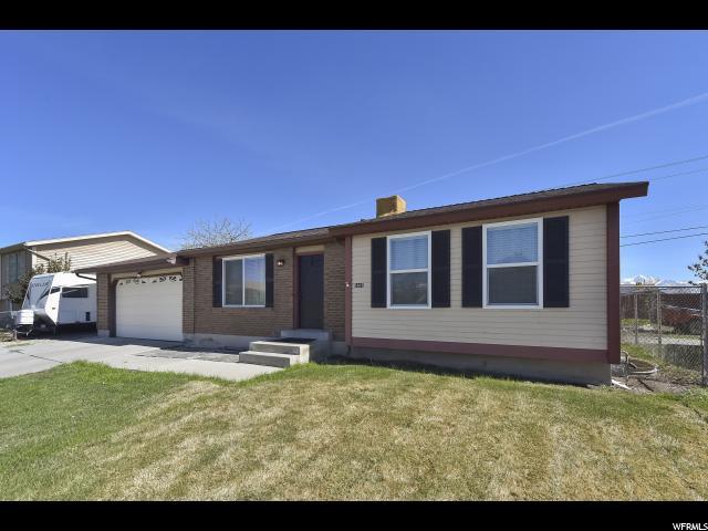 Unique la famille pour l Vente à 5965 S 5625 W Kearns, Utah 84118 États-Unis