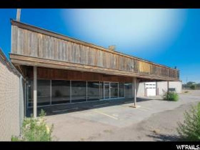 Commercial للـ Sale في 050390009 050400001, 800 E MAIN Street Vernal, Utah 84078 United States