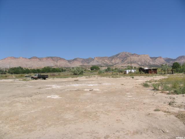 Terrain pour l Vente à 1490 W 4200 N 1490 W 4200 N Spring Glen, Utah 84526 États-Unis