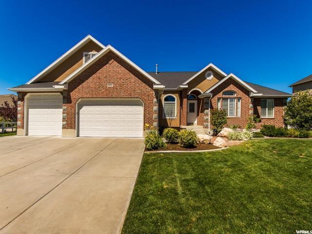 单亲家庭 为 销售 在 5133 S 5725 W Hooper, 犹他州 84315 美国