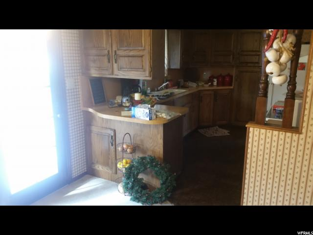 Additional photo for property listing at 1011 W 300 N 1011 W 300 N Clearfield, Юта 84015 Соединенные Штаты