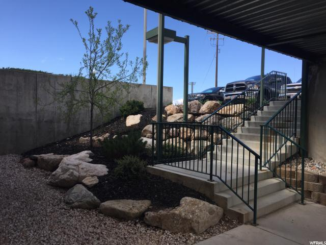 Additional photo for property listing at 5150 S 375 E Street 5150 S 375 E Street Unit: 3,4 Ogden, Utah 84405 États-Unis